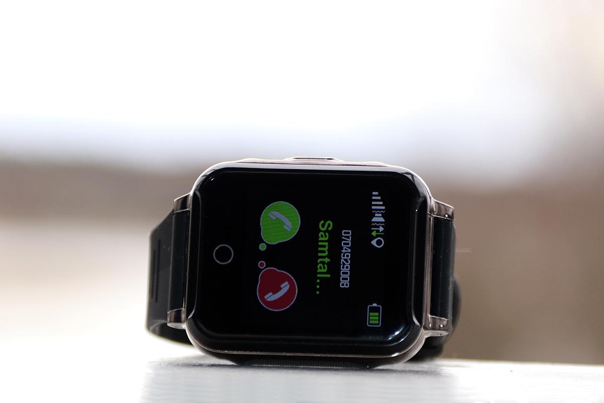 Sensorem armband med överfallslarm